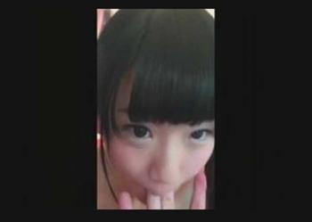 【素人個人撮影】スマホハメ撮り⇒♥くぱぁ!メンヘラっぽい超ロリっ娘が黒ニーソ全裸でSEX騎乗位パコww