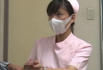 「こんなチ○ポですみません」包茎勃起チ○ポを優しく剥いてヤラせてくれた美人看護師