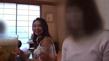 【人妻動画】妻が友達との飲み会の動画を見せてくれたらとんでもない事実が…