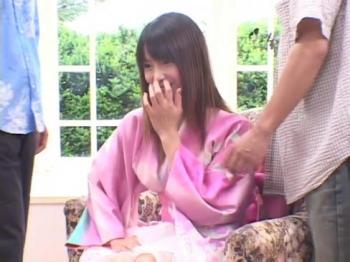 【美少女 激イキ】貧乳の美少女ギャルの激イキ顔射3Pプレイ動画!!【エロまとめ動画モンモン】