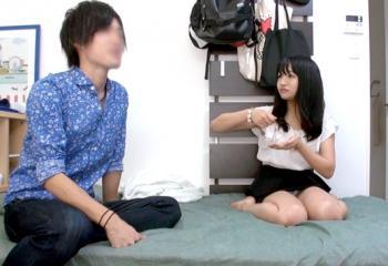 【盗撮】連れ込んだロリっ娘が超ドM!命令されたら拒否できないことをいいことにがんがんハメまくる