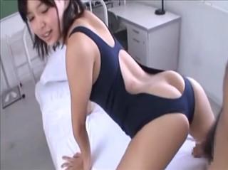 【葵つかさ】可愛い顔して先生を誘っちゃうデカ尻女子校生2/3