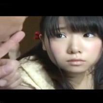 【JS ロリ動画】まだ小●生になったばかりの孫娘に手をだしてしまう変態おじいちゃん・・・