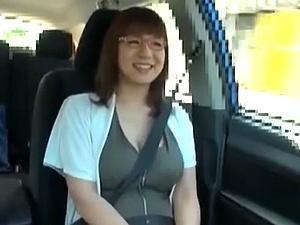 腐女子なアニコスプレイヤー奥さんはムチムチ超乳!青姦・ハードコア!