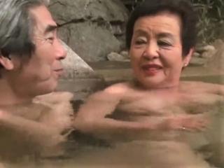 《完熟夫婦》 夫71歳、妻83歳 傘寿フルムーン!いくつになってもデキルんだなぁ~w [小笠原祐子]