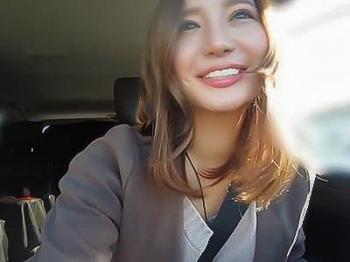 『キスぐらいいいじゃん…♥♥』既婚者の先輩を好きな激カワ美女が、ドライブデートでチンポをフェラチオ!