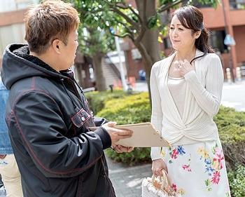 ☆人妻ナンパ☆ 50歳という年齢を微塵も感じさせないエレガントな女性を演出する高級マダムランジェリーをお召しになった完熟
