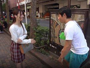 《素人ナンパ企画》可愛いお友達を紹介してもらった『22歳の大学生。。。』緊張した素人感にゾクゾク!糸を引くマン汁は堪らん