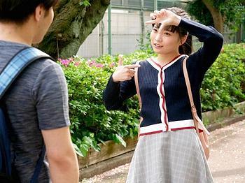 『彼女に黙ってSEXしいひん?』関西弁で淫語誘惑するドS痴女JD♡友達の隣で彼氏を手コキ射精し濃厚エロなラブラブセックス
