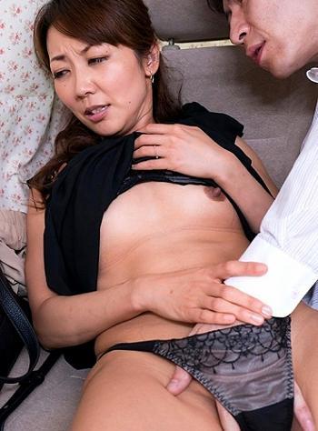 ☆人妻ナンパ☆ 38歳だとおっしゃる上品ぶった化けの皮を被ったあきらかに淫乱体質だと思われるとびきりスケベな美人奥さまを