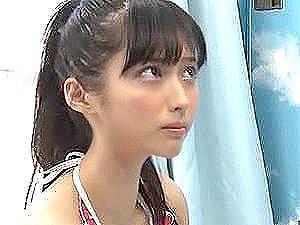 【MM号/素人ナンパ】ビキニギャルが童貞君のオナニーお手伝い!『もう一回..?』優しい手コキ&フェラに即射➡生挿入種付け