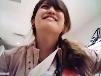 【盗撮動画】イイやつです!Mr研修生!パンチラ神映像!逆さ撮り超接写!モリマン危険アングル!