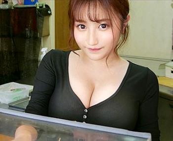すげえ乳ww焼き鳥屋にいったら女子店員の乳がデカ過ぎて即口説いてホテルに連れ込みハメ撮りエッチ