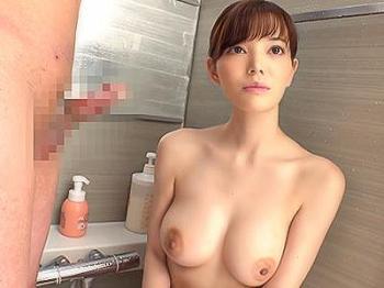 【素人ナンパ企画】『さっきより、元気になってる…♥♥』スレンダー美巨乳のお姉さんの裸に勃起した童貞君のチンポを洗体する人